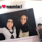 イモトアヤコが安室奈美恵の展覧会へ