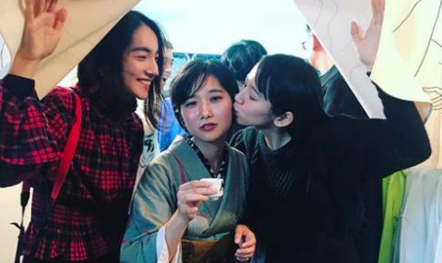 吉岡里帆がキス写真をインスタにアップ