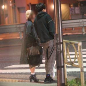 米津玄師が彼女と深夜デート